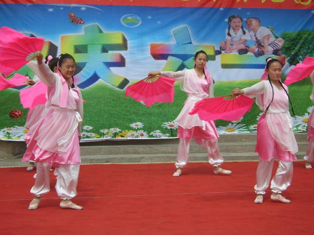 山东齐河红太阳幼儿园特殊的六一活动