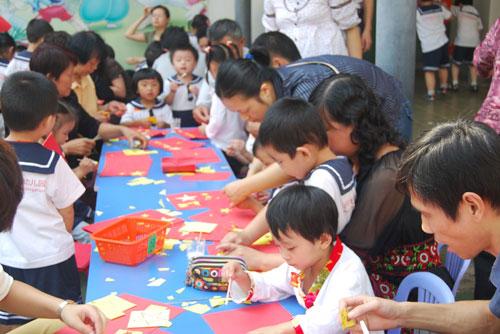 湖北武汉金色童年幼儿园国庆节亲子活动