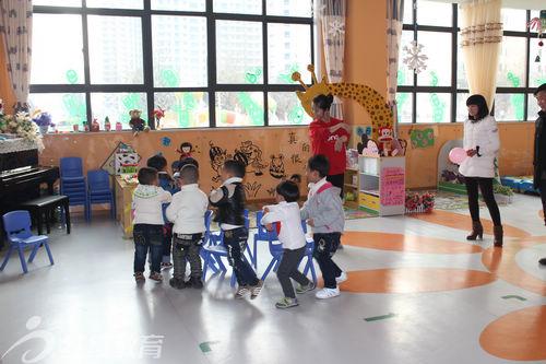 陕西安康红缨高新幼儿园举办迎新年活动
