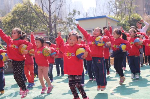 安徽合肥红缨时代幼儿园举办阳光体育早操比赛