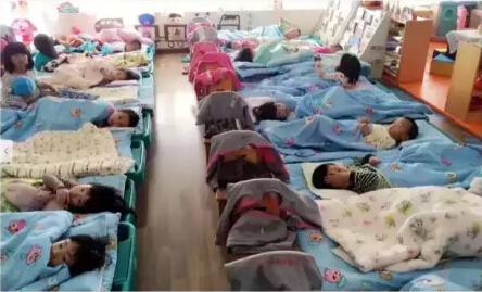 冬天,幼儿园如何组织小朋友午睡