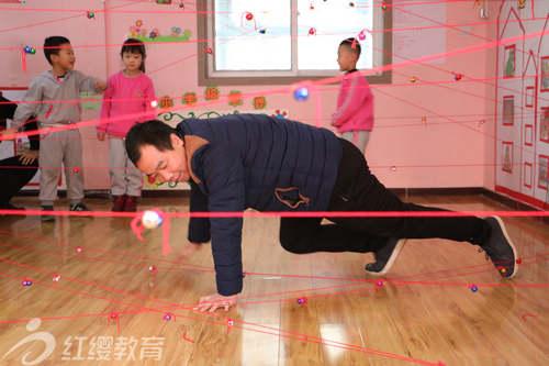 陕西韩城红缨童之梦幼儿园举办新年亲子活动