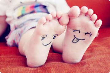 【小班】【健康】我的小脚丫