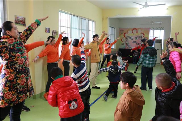 广西南宁小树林幼儿园爱心慰问活动