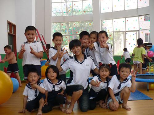 河南商丘金拇指幼儿园学年活动汇总展示